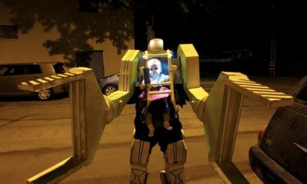 10 Genius Halloween Costume Ideas For Parents With Baby Carriers
